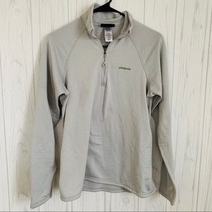 Patagonia Light Gray Waffle Knit Pull Over